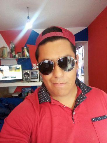 Adrian, Hombre de San Luis Potosí buscando una cita ciegas