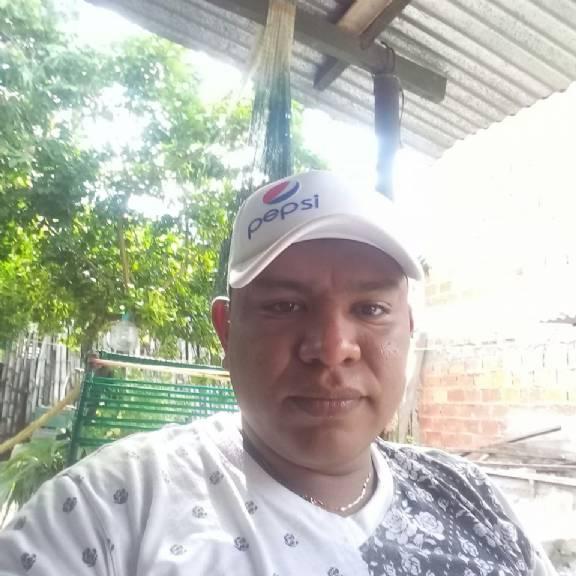 Alvaro javier, Hombre de Lerida buscando amigos