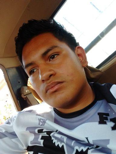 Heriberto, Chico de Ciudad Guzman buscando una cita ciegas