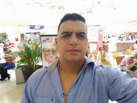 Julian, Hombre de Lambayeque buscando amigos