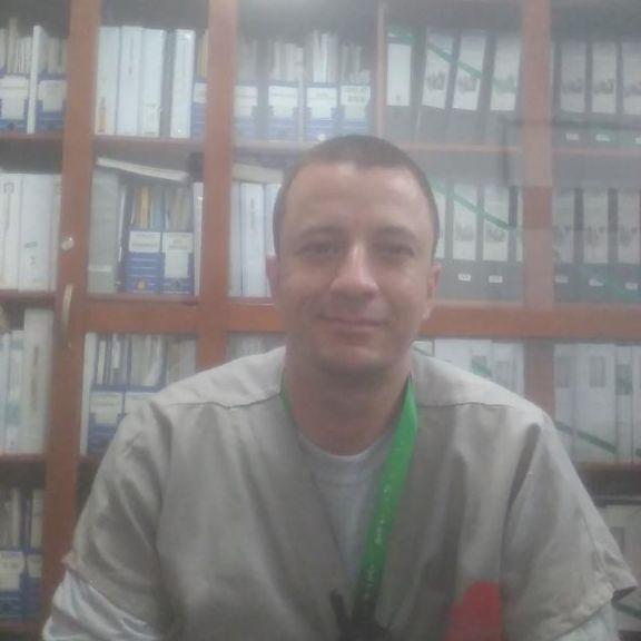 John, Hombre de Medellín buscando conocer gente