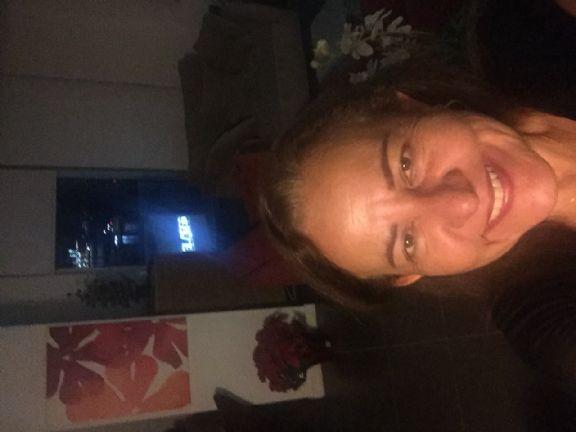 Lorena, Mujer de Miami buscando conocer gente