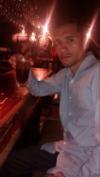 Javier, Hombre de Caracas buscando conocer gente