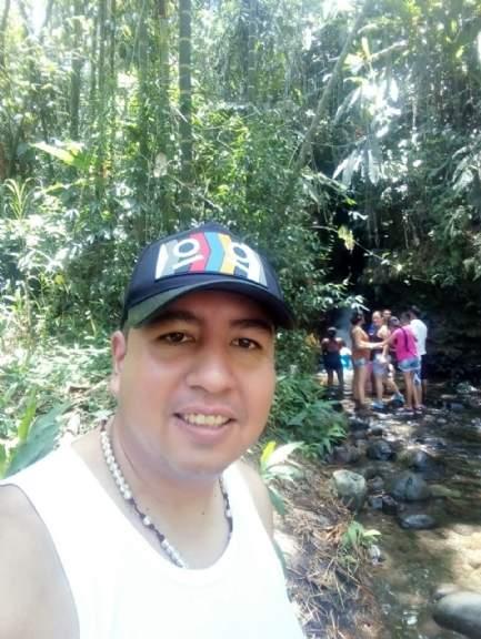 Gabriel eduardo, Hombre de Manizales buscando una cita ciegas