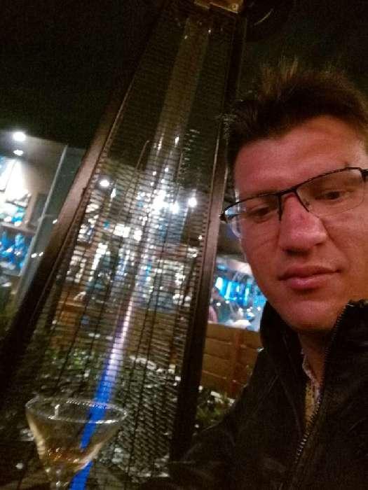 John armely arias, Hombre de Madrid buscando pareja