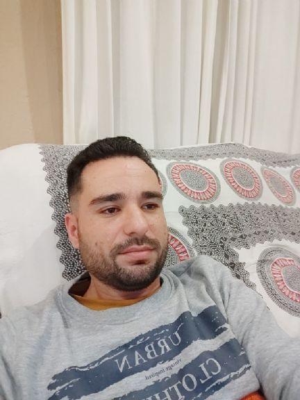 Juan antonio, Hombre de Sevilla buscando una cita ciegas