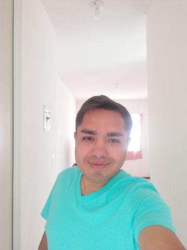 Jonathan, Chico de Santiago de Querétaro buscando una cita ciegas