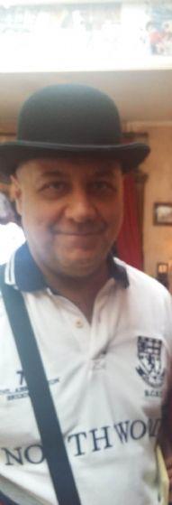 Francisco , Hombre de Zaragoza buscando conocer gente