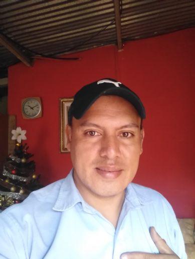 Wilmer, Hombre de Tegucigalpa buscando una cita ciegas