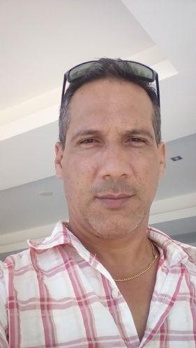Rober, Hombre de Mayarí buscando conocer gente