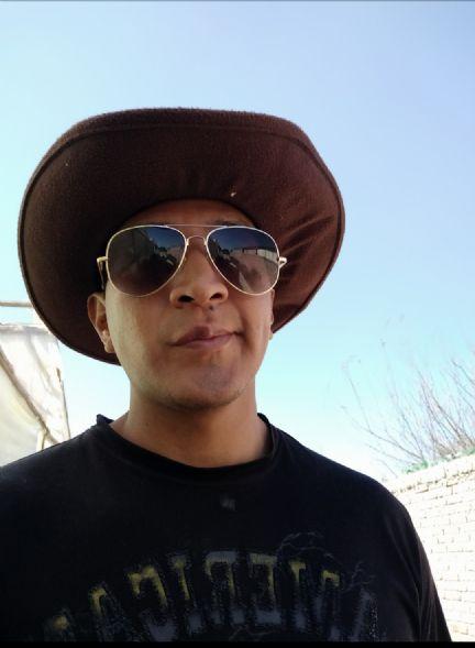 Roberto, Chico de Quillacollo buscando pareja