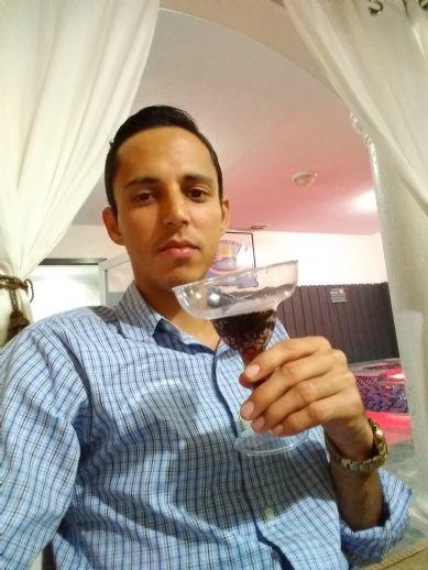 Roberto l lorenzo, Chico de Miami buscando pareja
