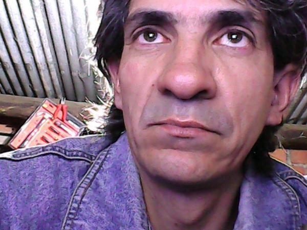 Carlos, Hombre de Córdoba buscando una cita ciegas