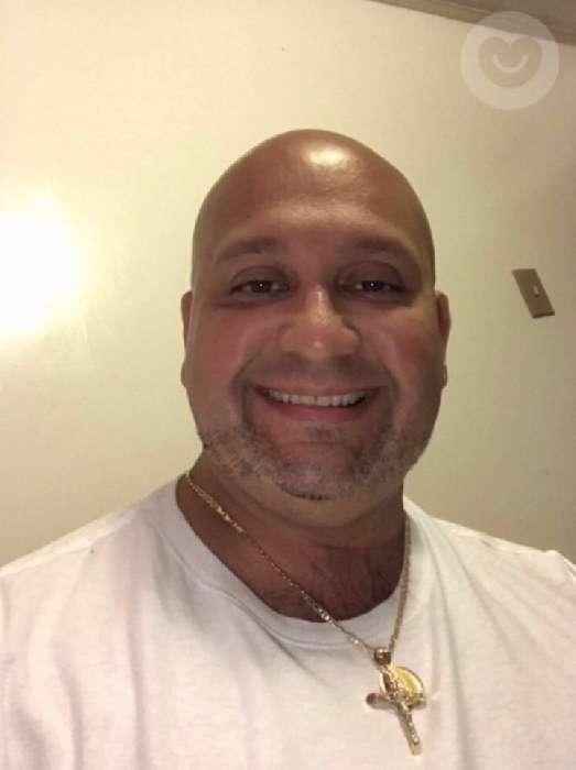 Tito, Hombre de Salinas buscando amigos