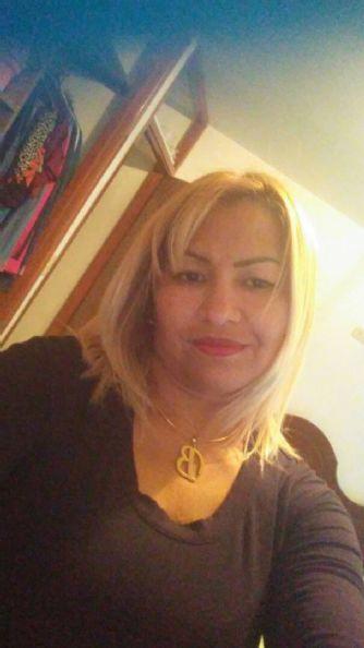 Victoria, Mujer de Puerto La Cruz buscando amigos