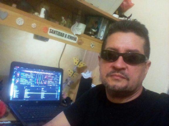 Nelson, Hombre de San Pedro Sula buscando conocer gente