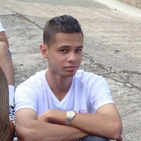 Alex, Chico de Medellín buscando pareja