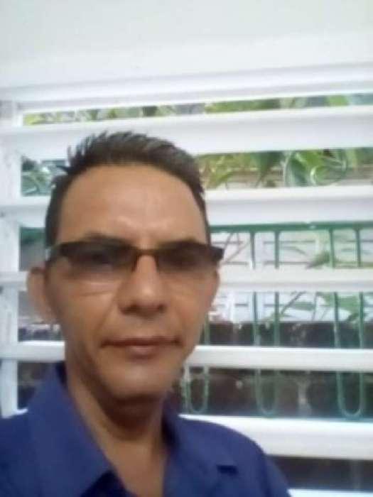 Arturo, Hombre de Holguín buscando pareja