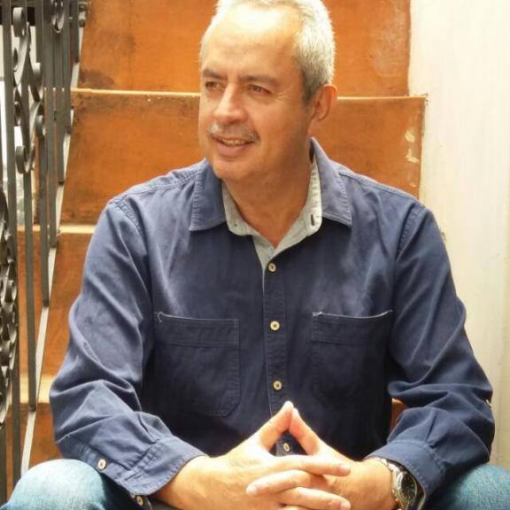 Agustin eduardo vaqu, Hombre de Quito buscando pareja