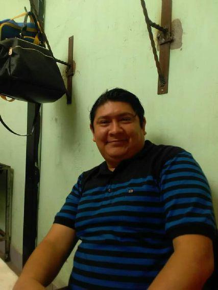 Enrique, Hombre de Guatemala buscando conocer gente
