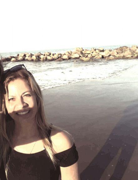 Alejandra, Mujer de Pilar buscando amigos