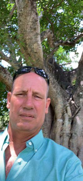 Edith, Hombre de Miami buscando conocer gente