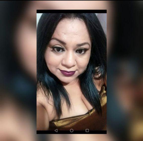 Claudia, Mujer de San Pedro Sula buscando una cita ciegas