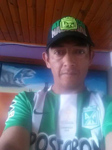Johan, Hombre de Bogotá buscando una cita ciegas