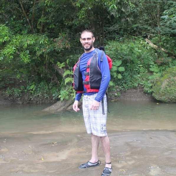 Fran, Hombre de Alajuela buscando amigos