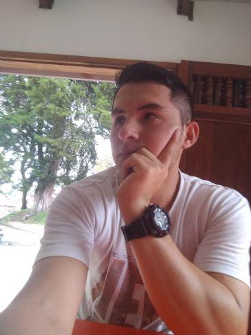 Pedro, Chico de Armenia buscando amigos
