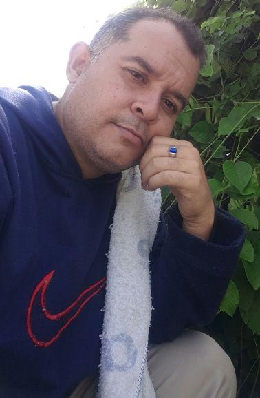 Luis, Mujer de San Diego buscando una cita ciegas