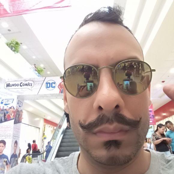 Jose esteban, Hombre de Lima buscando conocer gente