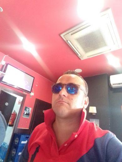 Raúl, Hombre de Valdemoro buscando una cita ciegas