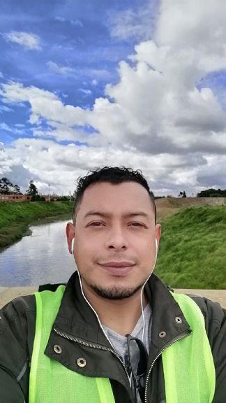 Luis miguel, Hombre de Bogotá buscando una cita ciegas