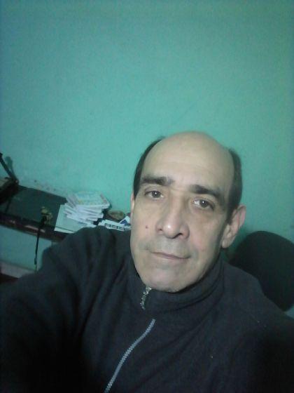 Jorge, Hombre de Quilmes Oeste buscando una cita ciegas