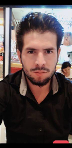 Gabriel, Chico de Chiclayo buscando una cita ciegas