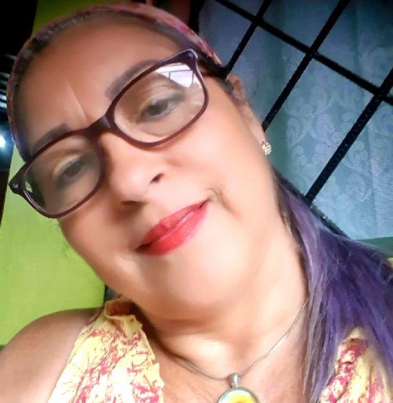 Luz, Mujer de Liberia buscando conocer gente