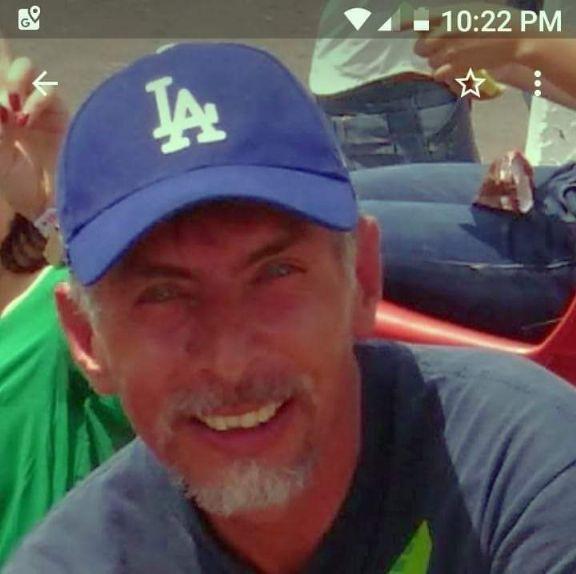 Diego armendaris, Hombre de Miami buscando amigos