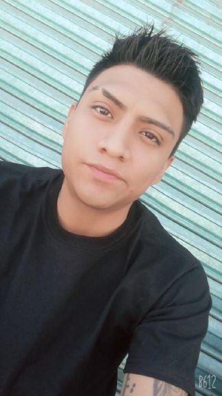 Gustavo, Chico de Chimalhuacán buscando una cita ciegas