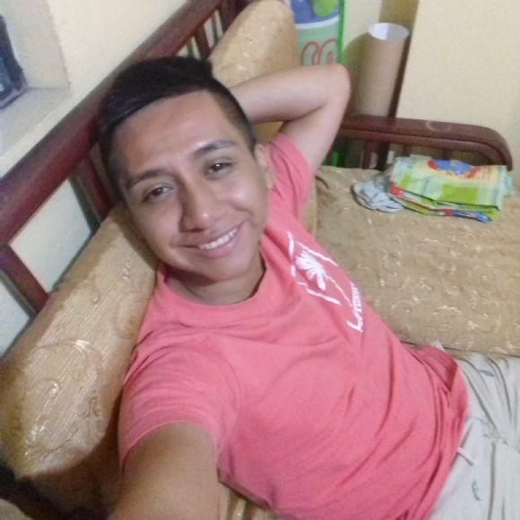 Mitchel, Chico de Lima buscando pareja