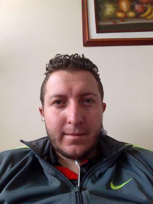 Andres, Chico de Quito buscando conocer gente
