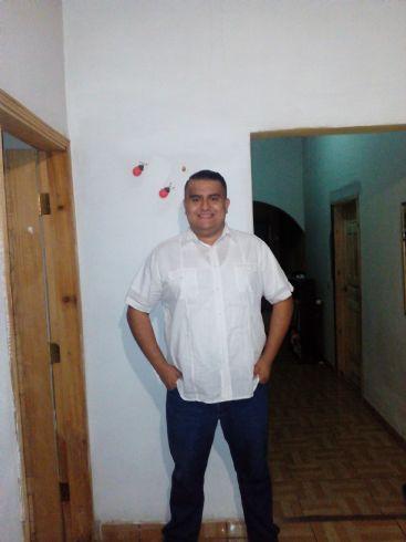 Edwin moncada , Hombre de Los Ángeles buscando pareja