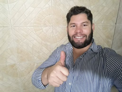 Wuilber, Hombre de Medellín buscando amigos