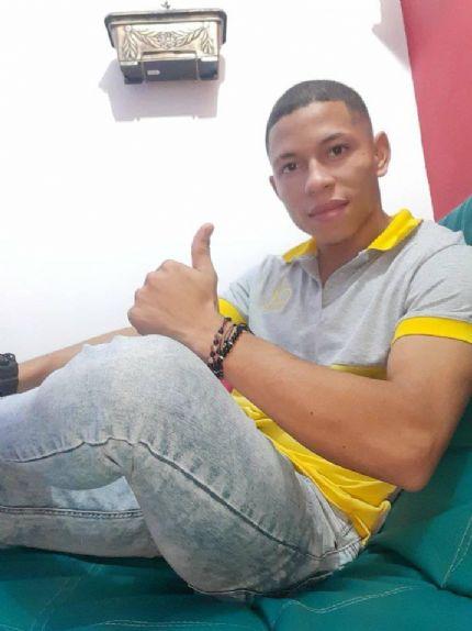 Allan, Chico de San Antonio de Prado buscando conocer gente
