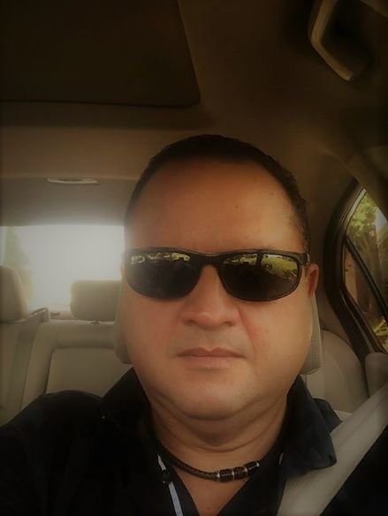 Tony, Hombre de San Juan buscando una cita ciegas