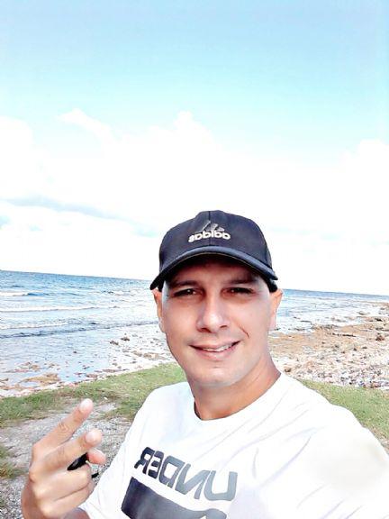 Alexblanco, Hombre de Cárdenas buscando conocer gente