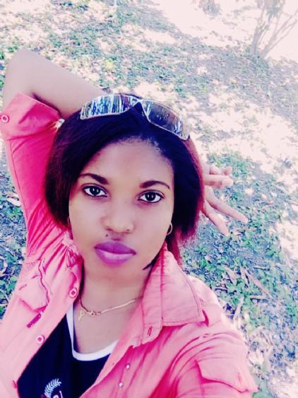 Nairobi, Chica de Holguín buscando pareja