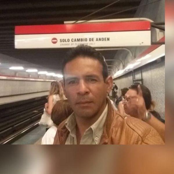 Damian, Hombre de Quito buscando pareja