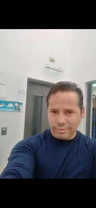 Juankarlos, Hombre de Chicago buscando amigos