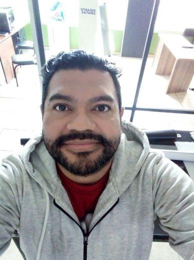 Gabriel, Hombre de Quito buscando pareja